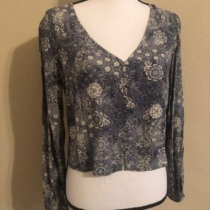 NWT v neck button down long sleeve